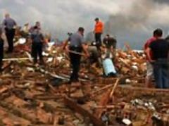 Oklahoma tornado: Harrowing moment lifeless body of a little girl is found buried in rubble