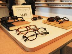 how warby parker took its online sales model to brick-and-mortar