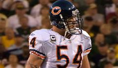 brian urlacher retires after 13 seasons with the chicago bears