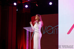 Verizon calls in J-Lo to announce Viva Movil, a phone retailer with a Latino focus